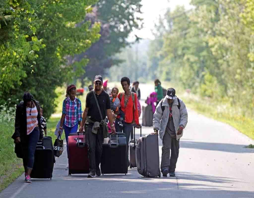 dân số canada