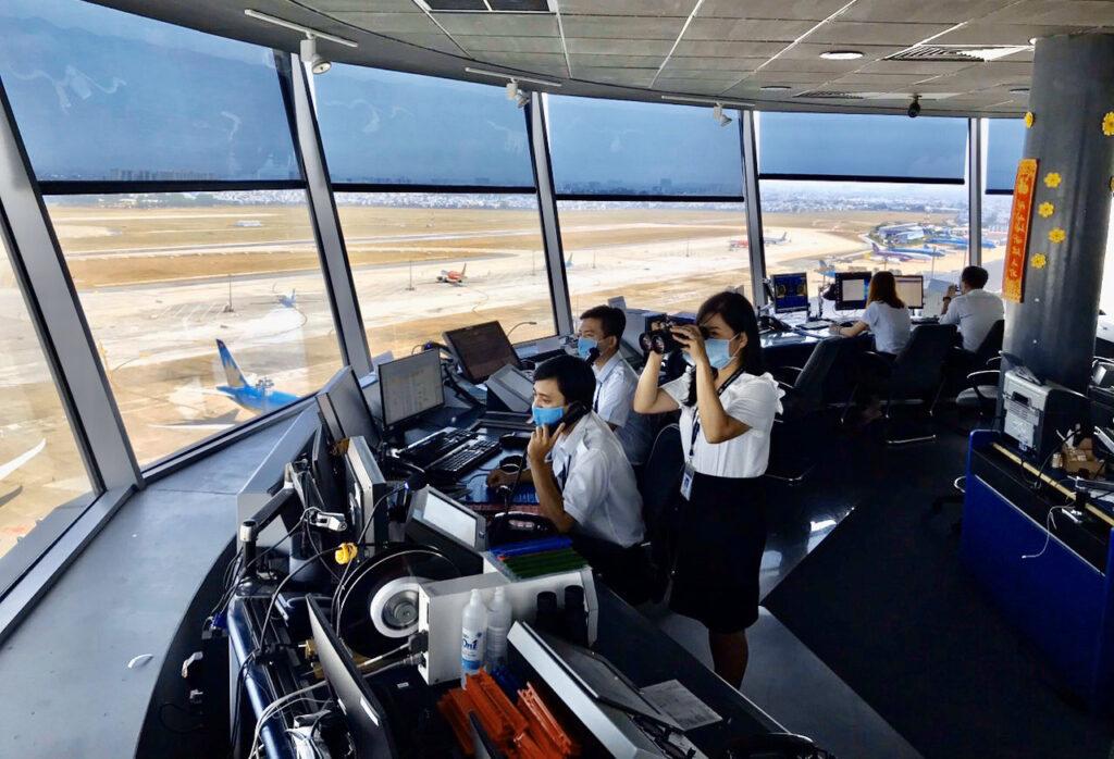Chương trình tham quan học tập ngành hàng không